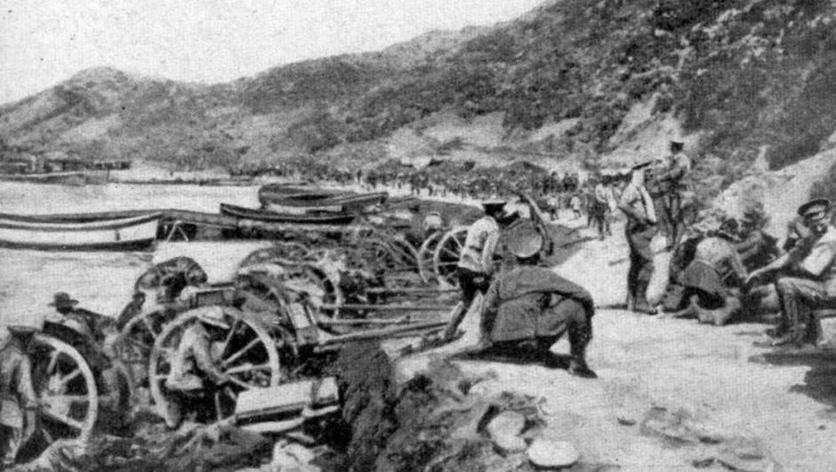 Çanakkale'de İngilizler geri püskürtüldü. İkinci Anafartalar zaferi kazanıldı. tarihte bugün