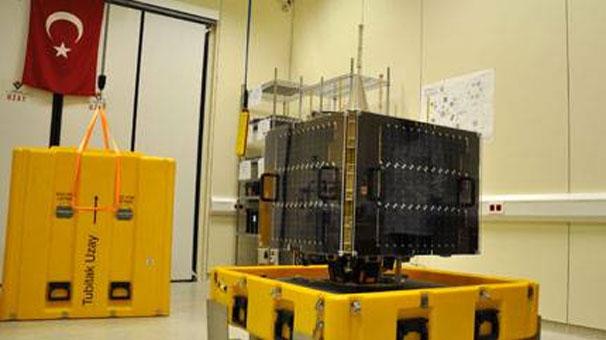 Türkiye'de tasarlanan ve üretilen ilk yer gözlem uydusu RASAT'ın Rusya'dan uzaya başarıyla fırlatıldı tarihte bugün