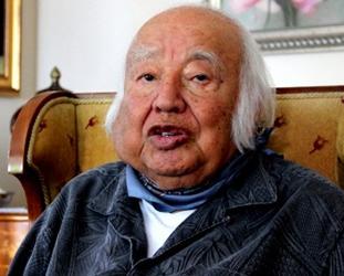 Eski başbakanlardan Adnan Menderes?in de avukatlığını yapan Burhan Apaydın vefat etti.  tarihte bugün