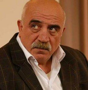 Oyuncu,tiyatrocu Sönmez Atasoy geçirdiği kalp krizi nedeniyle kaldırıldığı hastanede hayatını kaybetti tarihte bugün