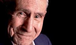 Yeşilçam efsane yönetmenlerinden Ömer Lütfi Akad, 95 yaşında İstanbul'daki evinde hayatını kaybetti.  tarihte bugün