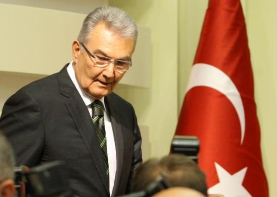 CHP Genel Başkanı Deniz Baykal ve CHP Ankara Milletvekili Nesrin Baytok'a ait olduğu ileri sürülen bir kasetin internette yayınlanmasından sonra CHP Genel Başkanı Deniz Baykal, genel başkanlık görevinden istifa etti.  tarihte bugün