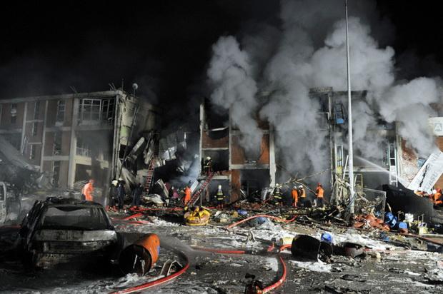 Ankara'nın Organize Sanayi Bölgesi Ostim'deki iki ayrı işyerinde LPG tüplerinden çıkan gazın ortamı kaplaması ve alev alması sonucu patlamalar meydana geldi. 20 kişi öldü. tarihte bugün