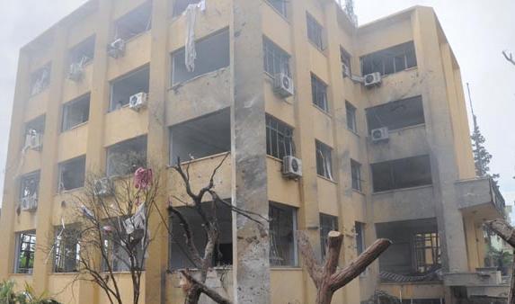 Hatay'ın Reyhanlı ilçesinde patlamalar oldu.  40 kişinin öldüğü, 100 kişinin yaralandığı açıklandı.   tarihte bugün