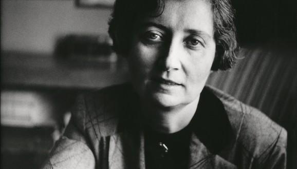 Samiha Ayverdi, yazar (DY-1905) tarihte bugün