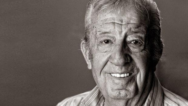 Usta tiyatrocu ve sinema oyuncusu Zafer Önen, 92 yaşında hayatını kaybetti. tarihte bugün