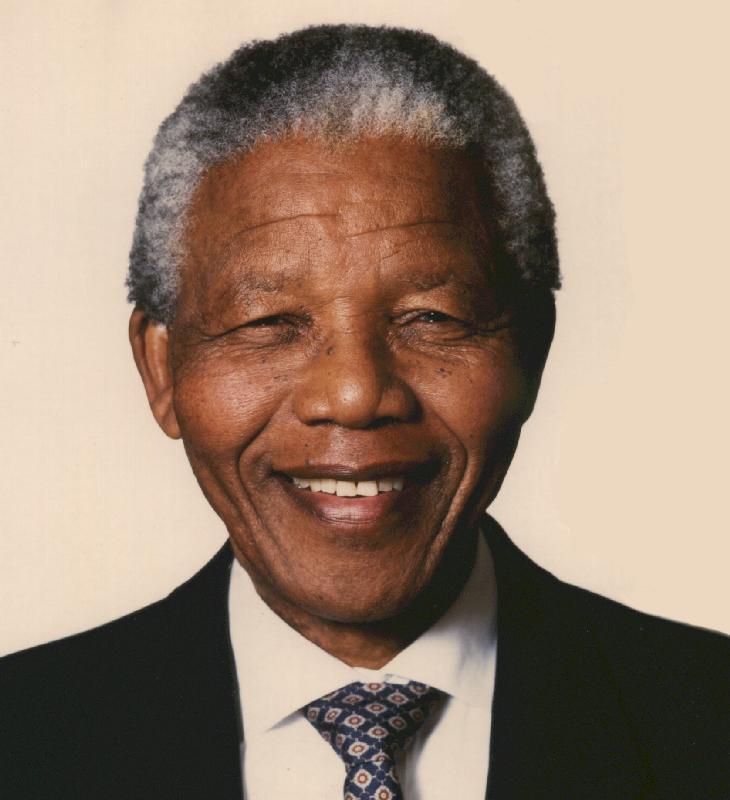 Güney Afrika Cumhuriyeti'nin ilk siyahî devlet başkanı Nelson Mandela  hayatını kaybetti. tarihte bugün