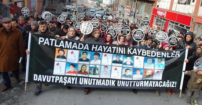 İstanbul Davutpaşa Çiftehavuzlar Caddesi'nde bir iş merkezinde saat 09:45 sıralarında büyük bir patlama oldu. 23 kişi öldü, 120 kişi yaralandı. tarihte bugün