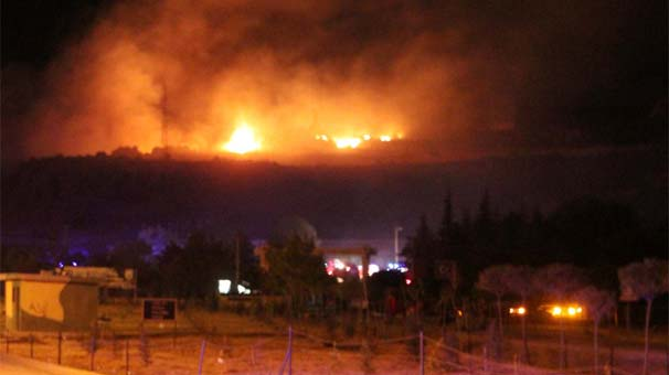Afyonkarahisar?da askeri mühimmat deposundaki el bombalarının tasnifi sırasında patlama yaşandı. 25 asker şehit oldu. tarihte bugün