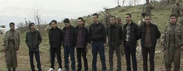 PKK'nın elindeki biri kaymakam sekiz kamu görevlisi BDP milletvekilleri ile İHD ile Mazlum-Der temsilcilerine teslim edildi. tarihte bugün