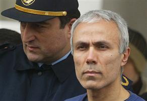 Gazeteci-yazar Abdi İpekçi'yi öldüren, Vatikan'da Papa 2. Jean Paul'a suikast girişiminde bulunan Mehmet Ali Ağca tahliye oldu.  tarihte bugün