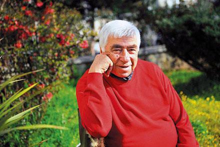 Tiyatro ve sinema sanatçısı Tekin Akmansoy, vefat etti. tarihte bugün