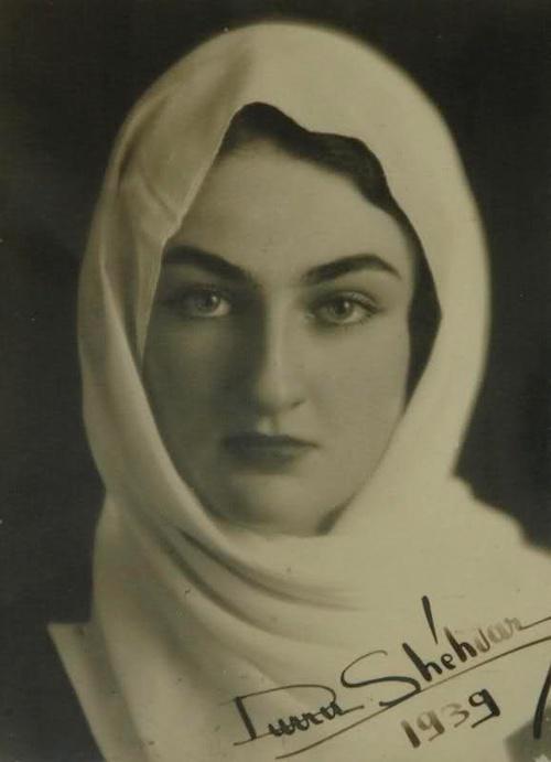 Son Osmanlı halifesi II. Abdülmecit'in kızı Dürrüşehvar Sultan, hayatını kaybetti. tarihte bugün