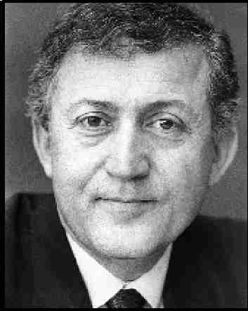 Öğretim üyesi ve gazeteci yazar Profesör Ahmet Taner Kışlalı bombalı bir saldırı sonucu öldürüldü. tarihte bugün