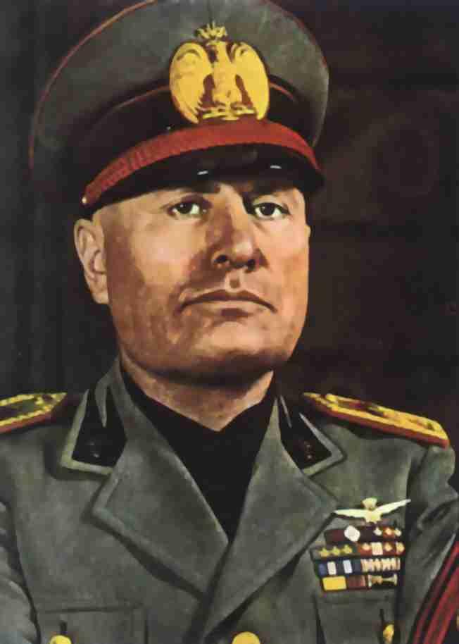 Benito Mussolini Ulusal Faşist Partiyi Kurdu