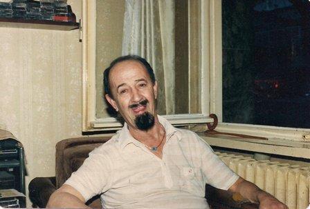 Şarkı sözü yazarı ve sunucu Fecri Ebcioğlu. tarihte bugün