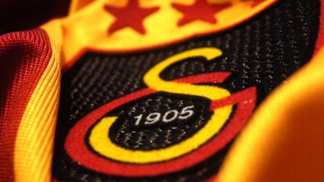 Spor Toto Süper Lig'de 2014-2015 sezonunun şampiyonu Galatasaray oldu. 20. kez şampiyon olan Galatasaray 4. yıldızı takan ilk futbol takımı oldu. tarihte bugün