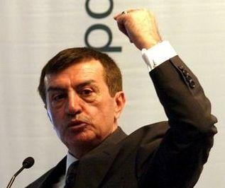 Bir süredir siyasi faaliyet ve parti kurma çalışmaları içinde yer alan Emekli Tümgeneral Osman Pamukoğlu'nun da kurucular kurulunda bulunduğu 'Hak ve Eşitlik Partisi' kuruldu. tarihte bugün
