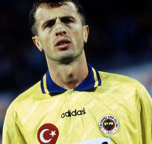 Milli Futbolcu Saffet Sancaklı doğum günü