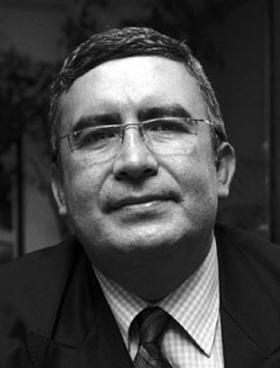 Türk tarihçi, yazar Necip Hablemitoğlu evinin önünde öldürüldü. tarihte bugün