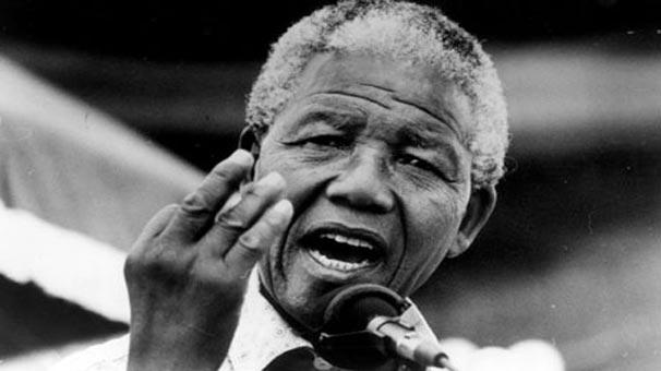 Nelson Rolihlahla Mandela öldü