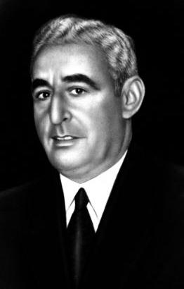 İzmir eski belediye başkanı Politikacı Osman Kibar. Bestekâr Melih Kibar'ın babasıdır. tarihte bugün