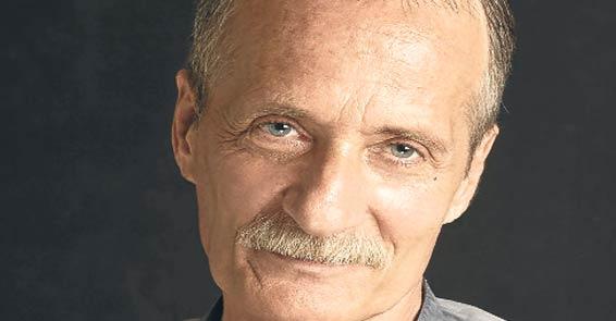 Cüneyt Çalışkur, İstanbul Devlet Tiyatrosu sanatçısı ve oyun yazarı. tarihte bugün