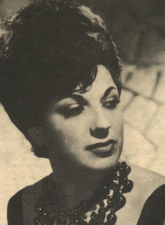 Klasik Türk müziği sanatçısı Mediha Demirkıran İstanbul'da vefat etti. tarihte bugün