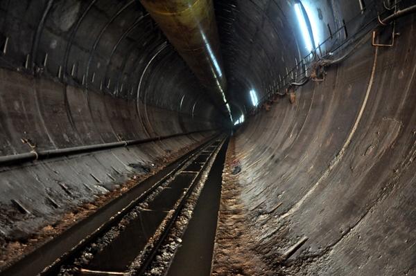 Türkiye'nin en uzun, Dünya'nın 5. uzun su tüneli Suruç Tüneli Şanlıurfa'da açıldı. tarihte bugün