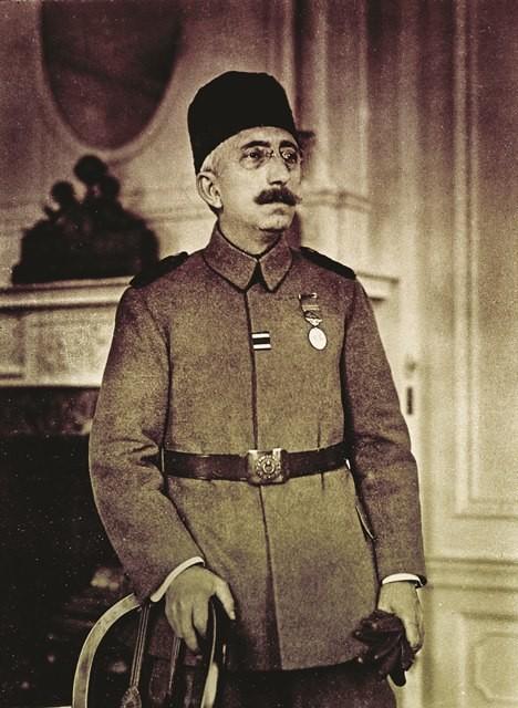 Osmanlı padişahı VI. Mehmet Vahdettin son Selamlık törenine katıldı. tarihte bugün