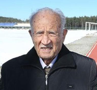 Türk atletizminin önemli isimlerinden, Fenerbahçe'nin eski yöneticisi ve divan kurulu üyesi Eşref Aydın hayatını kaybetti. tarihte bugün