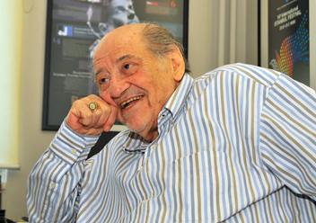İKSV Yönetim Kurulu Başkanı,fotoğraf sanatçısı, yazar Şakir Eczacıbaşı vefat etti. tarihte bugün