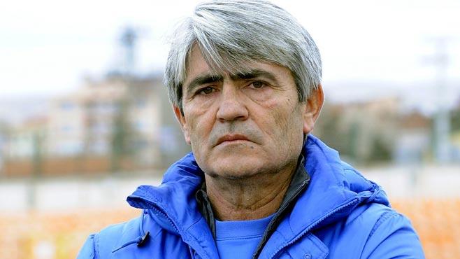 Arif Peçenek hayatını kaybetti