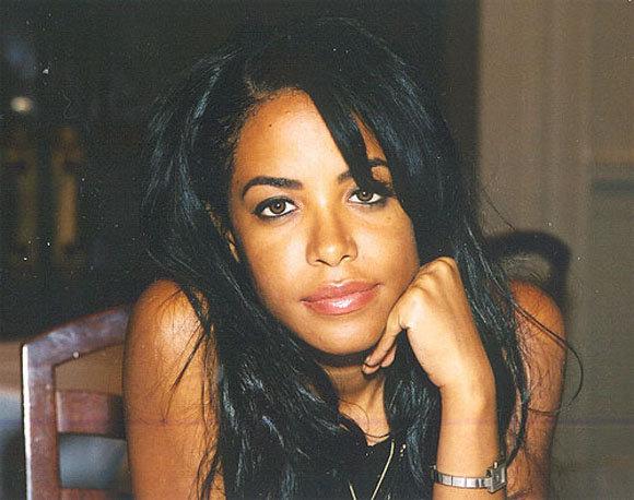 Aaliyah, Amerikalı şarkıcı (ÖY-2001) tarihte bugün