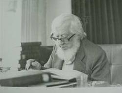 Abdülbaki Gölpınarlı, edebiyat tarihçisi ve çevirmen (ÖY-1982) tarihte bugün