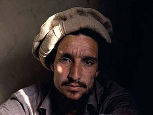 Ahmet ޞah Mesut, Afgan asker ve siyasetçi (ÖY-2001) tarihte bugün