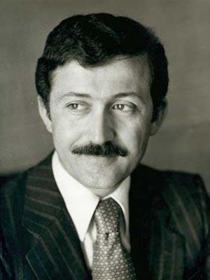 Ahmet Taner Kışlalı, siyaset bilimci, öğretim görevlisi (ÖY-1999) tarihte bugün