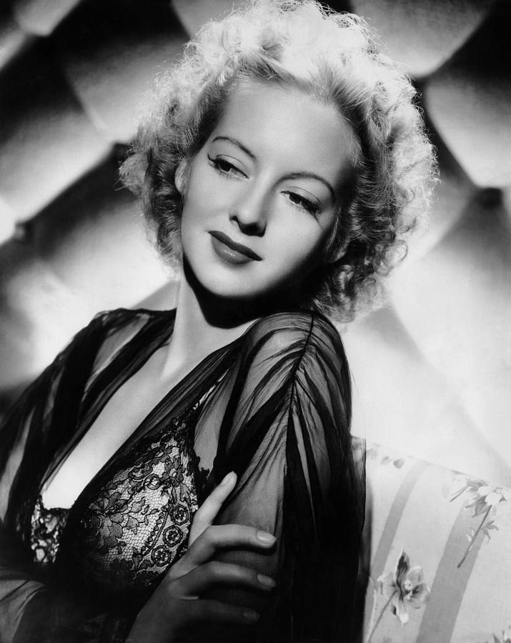 Evelyn Keyes, ABD'li aktris (DY-1916) tarihte bugün