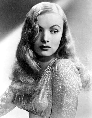 Veronica Lake, Amerikalı aktris (DY-1919) tarihte bugün