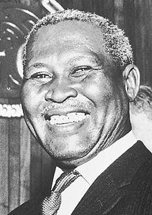 Albert Lutuli, Güney Afrikalı Nobel Barış Ödülü sahibi siyaset adamı (DY-1898) tarihte bugün