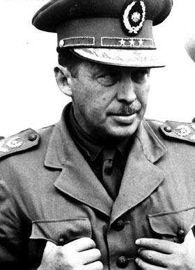 Alfredo Stroessner, Paraguaylı devlet adamı (DY-1912) tarihte bugün