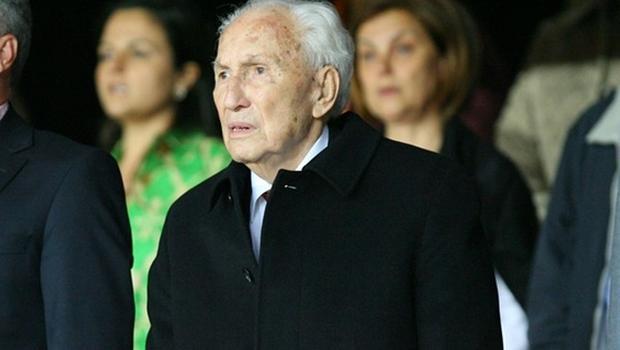 Galatasaray Kulübü'nün başkanlarından Prof. Dr. Ali Tanrıyar, 103 yaşında vefat etti. tarihte bugün