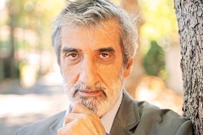 Söz yazarı, şair Ali Tekintüre hayatını kaybetti. tarihte bugün