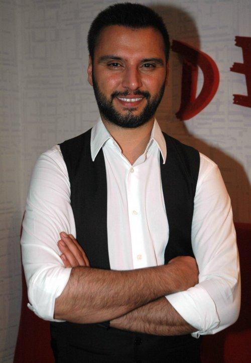 Alişan, Türk şarkıcı tarihte bugün