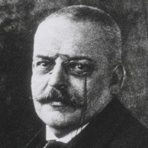 Alois Alzheimer, Alman sinir hastalıkları uzmanı (ÖY-1915) tarihte bugün