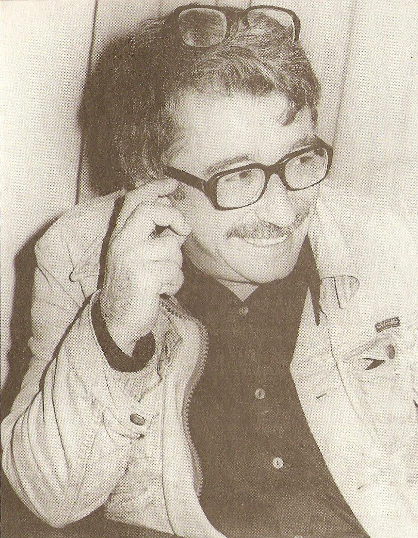 Karikatürcü, gazeteci, sinema ve tiyatro oyuncusu Altan Erbulak.Adına, eşi Füsun, kızları Ayşe ve Sevinç Erbulak tarafından, yılın başarılı oyuncusuna verilmek üzere