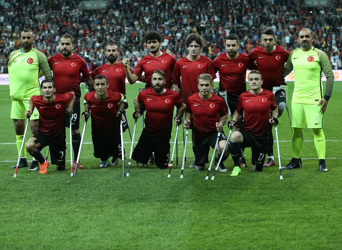 EAFF Avrupa Ampute Futbol Şampiyonası final maçında İngiltere ile karşı karşıya gelen Türk milli takımı maçı 2-1 kazanarak Avrupa şampiyonu oldu. tarihte bugün