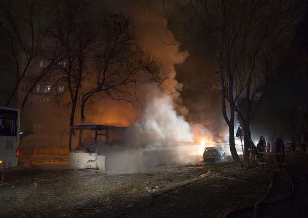 Ankarada Bomba Yüklü Araç Patlatıldı