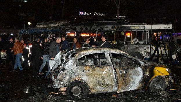 Ankarada Kızılayda Bomba Yüklü Araç Patlatıldı