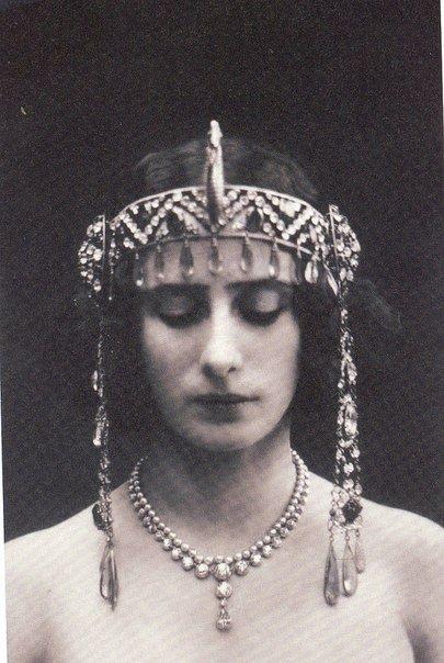 Anna Pavlova, Rus balerin  (ÖY-1931) tarihte bugün